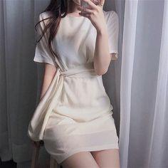 Kpop Fashion Outfits, Ulzzang Fashion, Korean Outfits, Fashion Dresses, Korean Fashion Trends, Korea Fashion, Asian Fashion, Girl Fashion, Classy Outfits