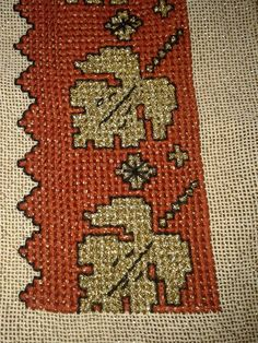 Cross Stitch Embroidery, Cross Stitch Patterns, Cross Stitches, Palestinian Embroidery, Needlepoint, Bohemian Rug, Needlework, Diy And Crafts, Rugs