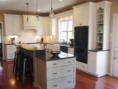 Updated cottage kitchen...perfect!