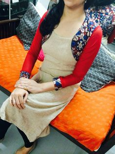 Love the Kurti Salwar Designs, Kurti Neck Designs, Kurta Designs Women, Kurti Designs Party Wear, Salwar Pattern, Kurta Patterns, Dress Patterns, Dress Neck Designs, Blouse Designs