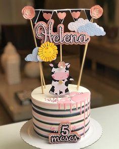 Separei 10 modelinhos de bolos super lindos com 10 temas diferentes para inspirar as mamães que estão fazendo #mesversario Todos by… Cake Icing, Buttercream Cake, Birthday Cake Toppers, Cupcake Toppers, Cricut Cake, Fruit Birthday, Paper Cake, Cupcakes, Themed Cakes