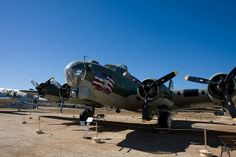 "B-17 ""Flying Fortress"" 
