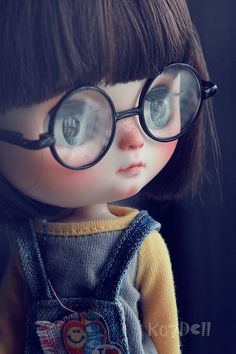U are sooooooooooooo cute, love those glasses. Ooak Dolls, Blythe Dolls, Art Dolls, Cartoon Wallpaper Hd, Cute Disney Wallpaper, Cute Cartoon Girl, Cartoon Pics, Pretty Dolls, Beautiful Dolls