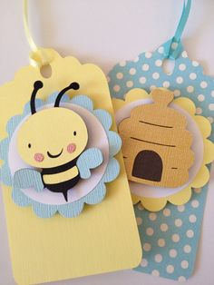 Ideas Baby Shower Ides Favors Bumble Bees For 2019 Baby Shower Tags, Baby Shower Gift Bags, Baby Showers, Mommy To Bee, Bee Gifts, Niklas, Baby Shower Invitaciones, Bee Cards, Handmade Gift Tags
