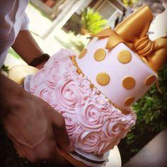 Claudio Ingleton's baby shower cake. #OliviaGrace #YUMMY