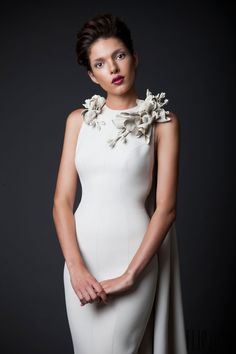 Krikor Jabotian Automne-hiver 2014-2015 - Haute couture - http://fr.flip-zone.com/fashion/couture-1/independant-designers/krikor-jabotian-5118