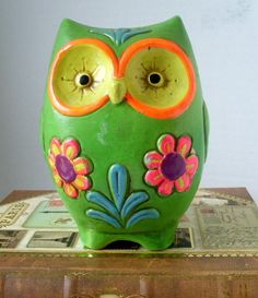 I love this vintage owl bank!