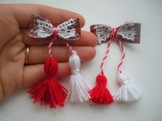 Handmade Cristina: Martisoare 2015 mici de pus in piept Yarn Crafts, Diy And Crafts, Arts And Crafts, Craft Activities For Kids, Crafts For Kids, International Craft, Yarn Dolls, Wedding Favors For Guests, Celebration Quotes