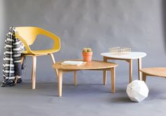 Yellow Chair Urban with the Perfect Pure side table in 3 different sizes!