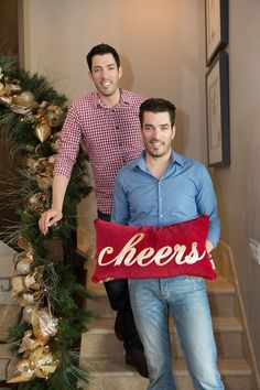 Getting in the holiday spirit with @mrsilverscott at our new #Vegas home :)