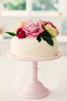 Poppytalk: A Super-Easy Floral Cake for Valentine's | By Tamara Taggart - photo by  Kyrani Kanavaros
