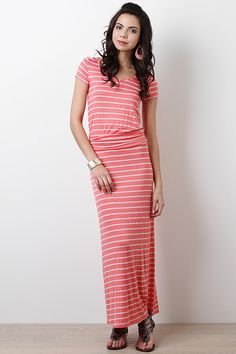 Maxi Dress with short sleeves.
