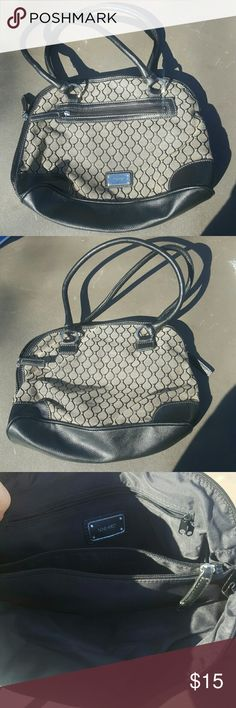 Nine west purse Brand new without tags. Smoke and pet free home Nine West Bags Shoulder Bags