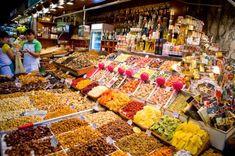 Bei solch einer großen Auswahl an Märkten die es in Barcelona gibt, kann die Entscheidung, welche man sich während seines Aufenthaltes anschauen will, schwer ...