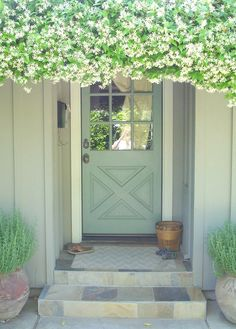 this is a gorgeous entry - perfect for a side entry or into a garage