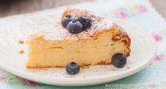 Einfaches Rezept für Käsekuchen ohne Boden (pur, mit Kirschen oder Mandarinen). Für alle, die cremigen Quarkkuchen lieben!