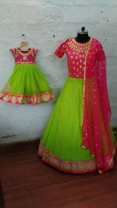 Mom Daughter Matching Dresses, Mother Daughter Outfits, Mommy And Me Outfits, Hand Work Blouse Design, Kids Blouse Designs, Kids Dress Wear, Party Gowns, Lehenga, Sarees