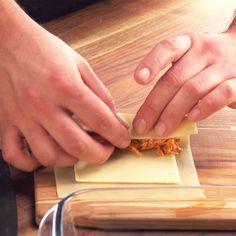 Pin on Massas Tasty Videos, Food Videos, Comida Diy, Snacks Für Party, Baked Chicken Recipes, Easy Healthy Breakfast, Diy Food, Cooking Recipes, Snack Recipes