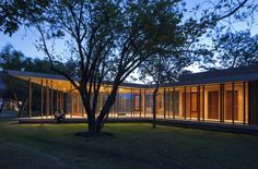 Cabañas Tumbaco / Diez + Muller  Arquitectos