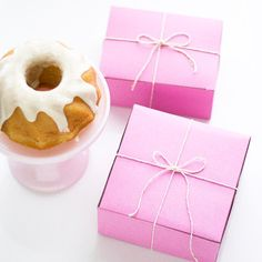 "Sugary sweet pink bakery boxes are perfect for packaging all sorts of little lovelies - not just baked goods! Two sizes available: small (6 x 4.5 x 2.75"") and m"