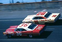 Darel Dieringer passes H. Bailey during the 1967 Daytona Real Racing, Nascar Racing, Auto Racing, Speed Racer, Daytona 500, Vintage Race Car, Indy Cars, Race Cars, Super Cars