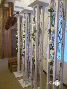 960 x 1280 ( Decoration Evenementielle, Stage Decorations, Flower Decorations, Wedding Decorations, Unique Flower Arrangements, Unique Flowers, Wedding Mandap, Wedding Stage, Art Deco Wedding