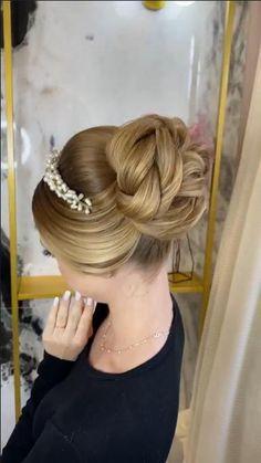 Easy Hairstyles For Thick Hair, Work Hairstyles, Braided Hairstyles, Hair Style Vedio, Bridal Hair Tutorial, Wedding Hair Up, Bridal Hair Buns, Hair Up Styles, Hair Color Techniques