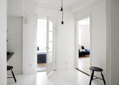 Incredible minimalist space via NSMBL.nl