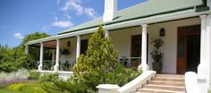 Leeuwenbosch Lodge, Amakhala resort, zuid-afrika Lodges, Outdoor Decor, Home Decor, Cabins, Decoration Home, Interior Design, Home Interior Design, Home Improvement