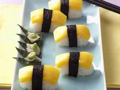 Nigiri-Sushi mit Mango