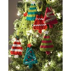 Free knitting pattern for tiny trees Christmas ornaments and more holiday decoration knitting patterns at intheloopknitting. - Crafting In Line Knitted Christmas Decorations, Knit Christmas Ornaments, Christmas Crafts, Christmas Trees, Holiday Decorations, Christmas Stocking, Christmas Tree Knitting Pattern, Tree Decorations, Xmas Tree