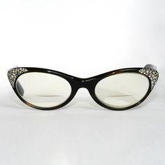 Various Styles Of Vintage Eyewear