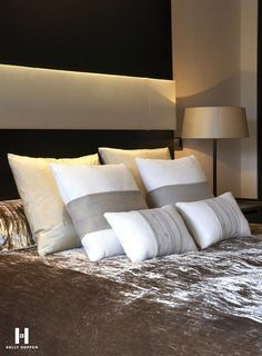 Kelly hoppen brings to you the best dining room ideas. Luxury furniture with glamour and top design, perfect for design lovers. Kelly Hoppen Interiors, Living Room Decor, Bedroom Decor, Dining Room, Neon Bedroom, Bedroom Styles, Soft Furnishings, Luxury Furniture, Decoration