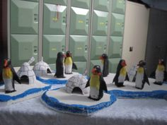 Risultati immagini per iglo vouwen Polar Animals, Free To Use Images, Artists For Kids, Winter Art, Diy Crafts For Kids, Winter Wonderland, Preschool, Kids Rugs, Polo