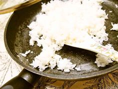 フライパンでご飯を炊く方法 炊飯器より短時間で炊けるので、いざというときも便利かも?【2009/10/26話題入り☆感謝】