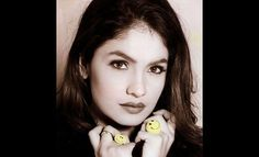 Use this hand sign to manage crippling nervous breakdown as shown by Pooja Bhatt.  Credit: deccanchronicle.com