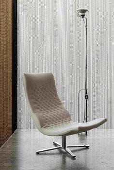 Möbelschweiz Product Pick: DS-51 von de Sede Der Drehsessel DS-51 gilt als Mitbegründer des weltweiten Renommees für Schweizer Handarbeit und Fertigung in höchster Qualität. Der Designklassiker garantiert trotz filigraner Erscheinung hohen Komfort und fügt sich mit seiner zeitlosen Ästhetik in jede Wohnlandschaft ein. #interiordesign #design #interior #homedecor #home #decor #interiors #furnituredesign #homedesign #style #interiorstyling #architecture #livingroom #inspiration Home Design, Interiordesign, Interior S, Komfort, Furniture, Home Decor, Inspiration, Swiss Guard, Products