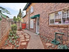 3 Bed Townhouse for sale in Gauteng Kempton Park, Home Buying, Townhouse, Street, Bed, Terraced House, Stream Bed, Beds, Walkway
