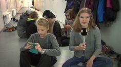 Älypuhelimien räplääminen ärsyttää myös nuoria | Yle Uutisluokka | TV | Areena | yle.fi