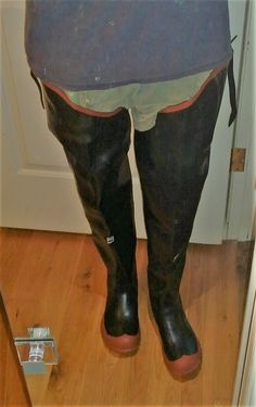 Hauled out my uncle's old Dominion waders and polished them up - pretty good for over 50 years old. Pit them on for old time sake - one of my first sexperiences was in these venerable waders