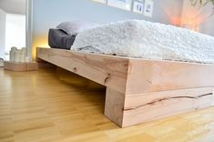 Building instructions: DIY family bed build yourself - Bauanleitung: DIY Familienbett selber bauen Building instructions: DIY family bed build yourself Shabby Chic Dining Room, Dining Room Sets, Family Bed, Family Room, Diy Bett, Bedroom Loft, Construction, Interiores Design, Bed Frame