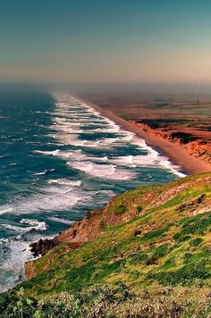 Point Reyes National Seashore is a 71,028-acre park preserve located on the Point Reyes Peninsula in Marin County, California, USA.byAndrzej Pradzynskion 500px - Imgend
