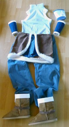Except for some smaller corrections and the styling of the wig my Korra costume is finished! Hurrah! I think it looks pretty good. All pieces together in one spot, I mean. :) I haven't tried it on so far.  Keep your fingers crossed the wig turns out just as fine! I'm so bad at wig styling!