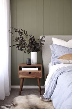 House call: Visit the plant-filled, Scandi inspired home of Haus of Cruze. Olive timber panel feature wall wall House call: Visit the plant-filled, Scandi inspired home of Haus of Cruze - STYLE CURATOR Scandi Bedroom, Bedroom Green, Bedroom Colors, Home Decor Bedroom, Modern Bedroom, Bedroom Ideas, Stylish Bedroom, Olive Bedroom, Scandi Home