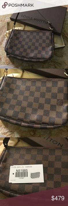 💜auth Louis Vuitton damier crossbody pochette box Like new! Louis Vuitton damier ebene pochette with duster, box and tags. I am including a brand-new cross body chain strap. The extra strap is not branded. Louis Vuitton Bags