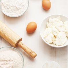 flour (bread and whole grain) with eggs ricotta cheese and rolling pin Baking Supplies, Kermit, Rolling Pin, Ricotta, Food Photography, Grains, Rolls, Food And Drink, Cooking Recipes