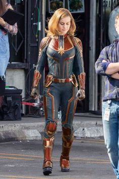 We all know that very soon we will be watching Avengers But even before that we are getting ready for the release of upcoming Captain Marvel Movie. Yes, Brie Larson is playing the role of Young Carol Denver's. Marvel Avengers, Marvel Comics, Films Marvel, Wanda Marvel, Marvel Girls, Marvel Heroes, Marvel Characters, Marvel Cosplay, Captain Marvel Carol Danvers