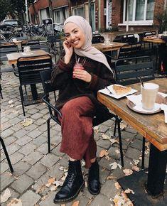 Modern Hijab Fashion, Street Hijab Fashion, Hijab Fashion Inspiration, Muslim Fashion, Modest Fashion, Fashion Outfits, Women's Fashion, Hijab Wedding Dresses, Hijab Bride