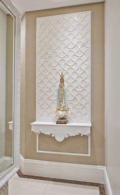 Bem-vindo(a) ao Luxo! - Estilo Provençal - Kleiner Schein Chart House, Casa Linda, Altar Design, Wall Design, House Design, Prayer Corner, Altars, Home Altar, Puja Room