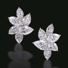 Diamond Chandelier Earrings, Diamond Earing, Diamond Jewelry, Small Earrings, Stud Earrings, Cluster Earrings, Ear Jewelry, Jewelry Gifts, Green Diamond